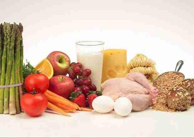 Zdrava prehrana je ključnega pomena za dolge in zdrave lase, trepalnice in nohte. Foto: Getty Image