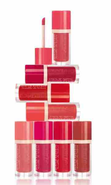 Rouge Edition Souffle de Velvet – 7.7ml . Na voljo v osmih barvnih odtenkih. Cena cca. 13,58 €.